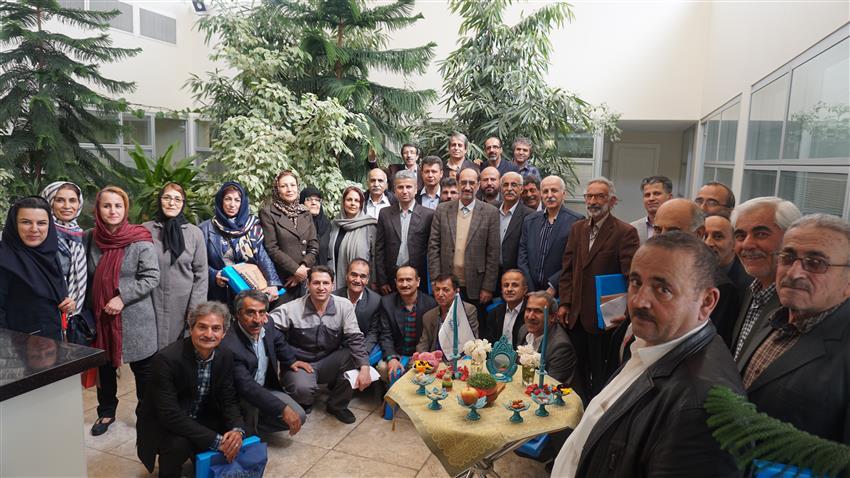 جشن پایان سال با حضور پیشکسوتان خانواده بزرگ تهران دارو